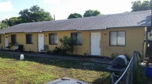 637 47th St. West Palm Beach, FL 33407
