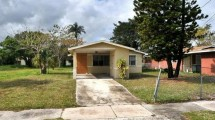 809 N 22nd St Fort Pierce, FL 34950