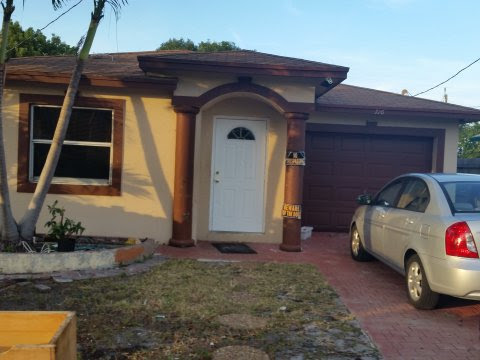 716 Truman St, Lake Worth FL 33460