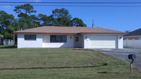 283 NW Floresta Drive, Port St Lucie, FL 34983