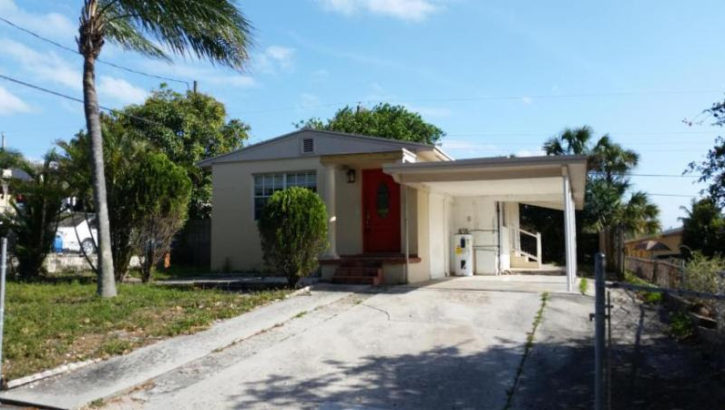 910 Mcintosh St, West Palm Beach, FL 33405