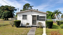 423 N 10 St. Fort Pierce FL 34950