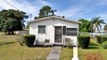423 N 10 St. Fort Pierce FL 34950