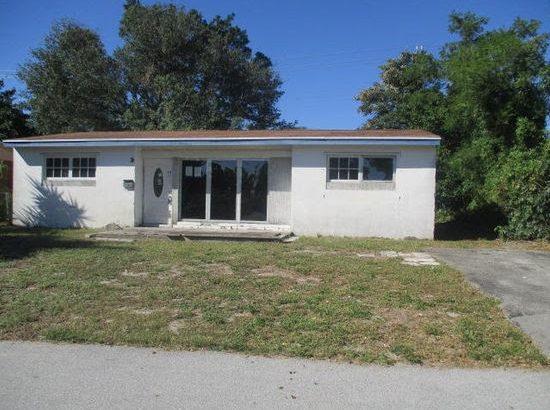 435 Seminole Dr.  Lake Worth FL 33462