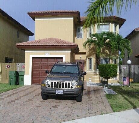 2617 NE 41 Cir. Homestead FL 33033