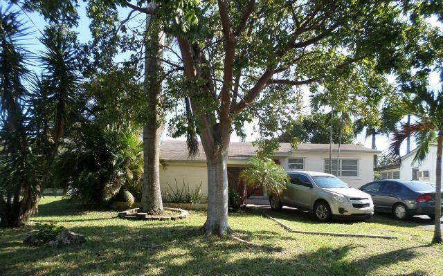 805 SW 3 Ave.  Hallandale Beach FL 33009