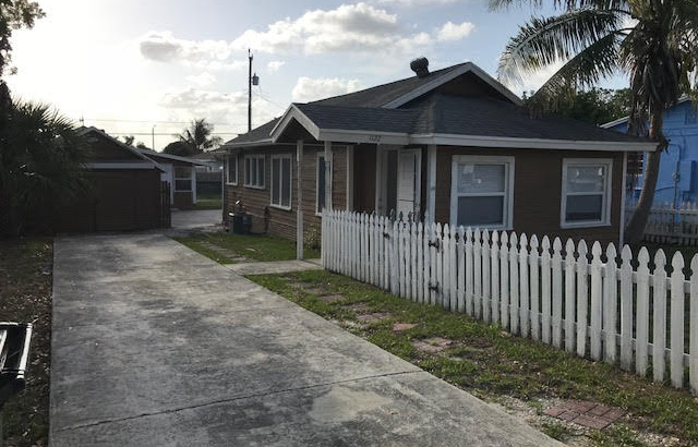 1122 S B St, Lake Worth, FL 33460