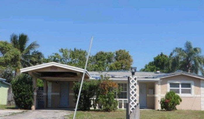 3691 NW 37th St, Lauderdale Lakes, FL 33309