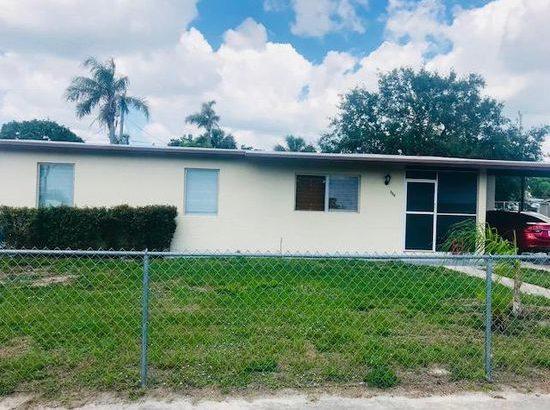 380 Sandia Ave Port Saint Lucie FL 34983