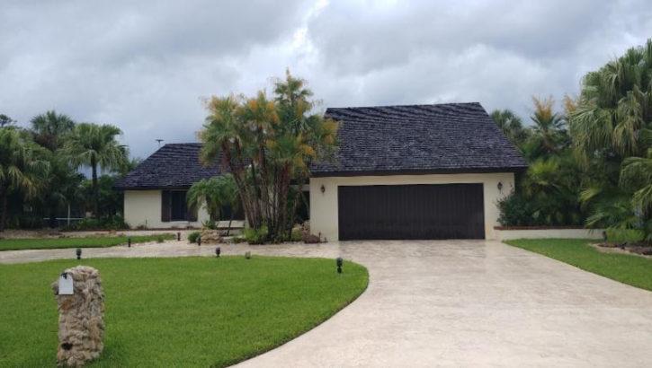 508 N Country Club Dr, Lake Worth, FL 33462