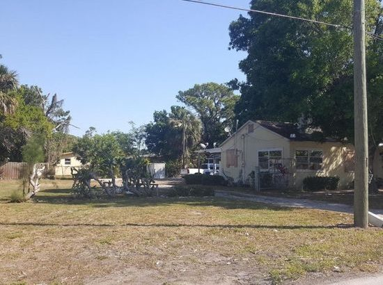 1912 Easter Ave, Fort Pierce, FL 34950