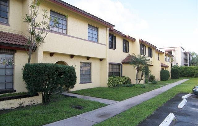 2743 NW 47th Terrace #604, Lauderdale Lakes, FL 33313