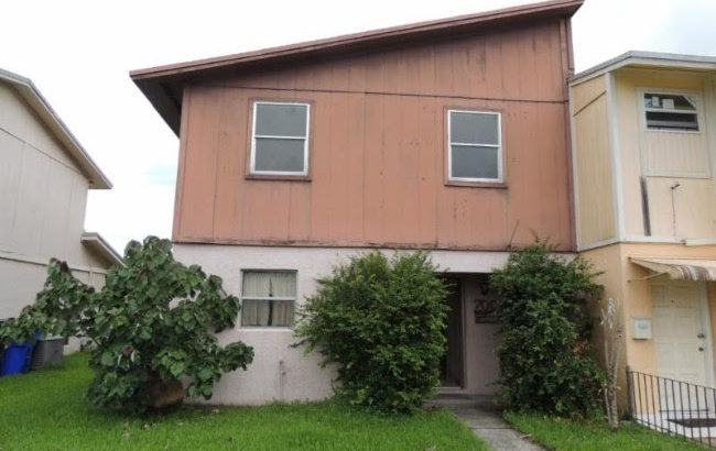 705 SW 79th Ter, North Lauderdale, FL 33068