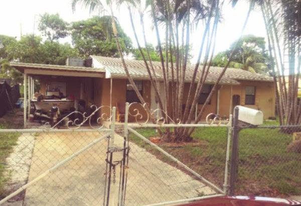 3032 Robert Rd, West Palm Beach, FL 33405