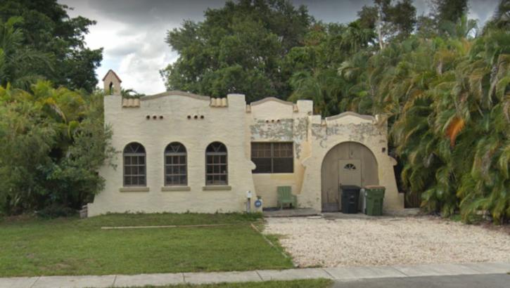 335 NE 127th St. North Miami, FL 33161