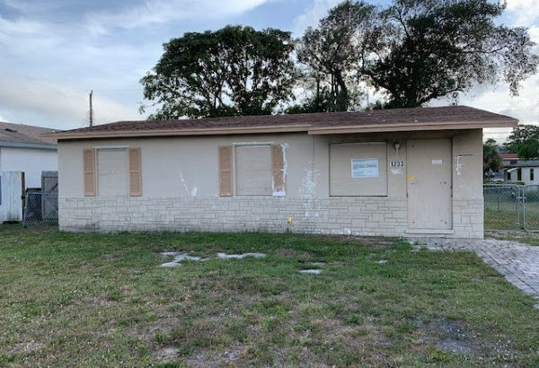 1233 W 36th St. West Palm Beach, FL 33404