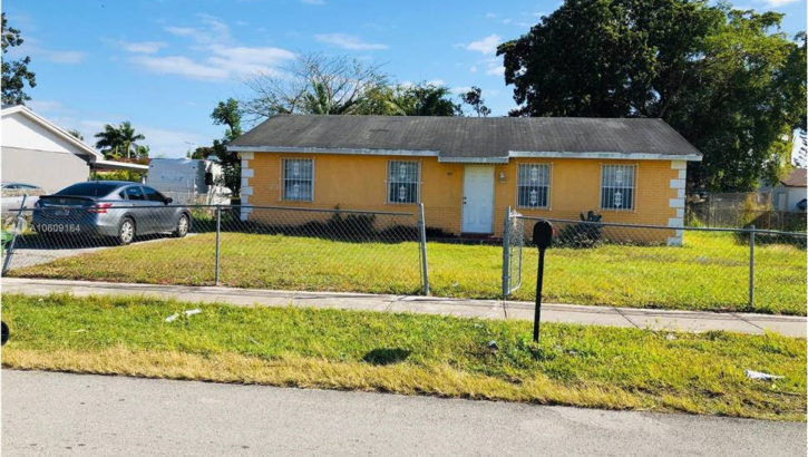 385 SW 17th Ave, Homestead, FL 33030