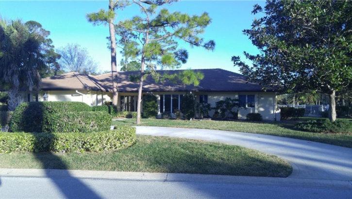 5780 Clubhouse Dr. Vero Beach, FL 32967