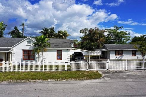 1201 N Andrews Ave, Fort Lauderdale, FL 33311