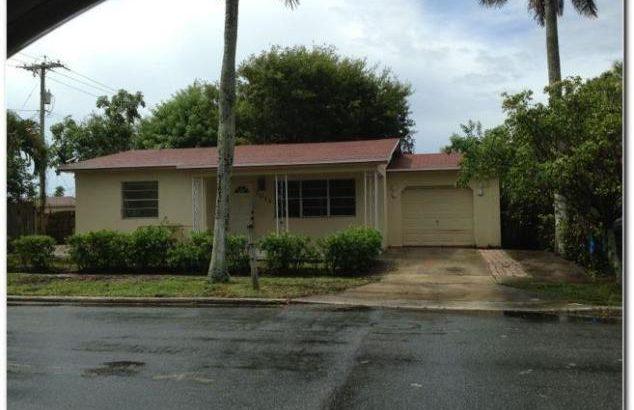 1011 13th Ave N, Lake Worth, FL 33460
