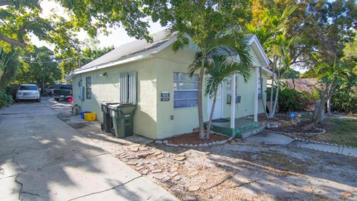 1319 S L St. Lake Worth, FL 33460