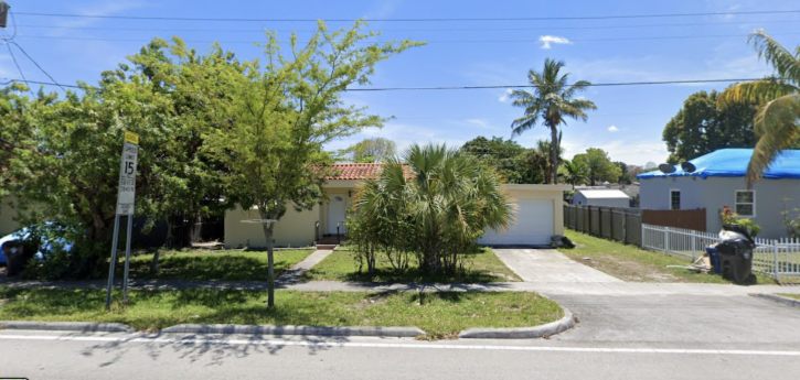 1152 NE 167th St, North Miami Beach, FL 33162