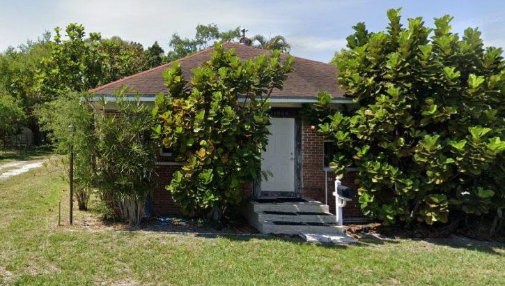 11948 NE 9th Ave, Biscayne Park, FL 33161