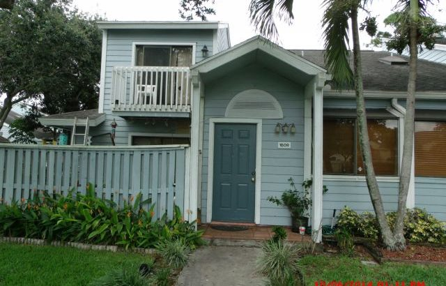 1809 Racquet Ct, North Lauderdale, FL 33068