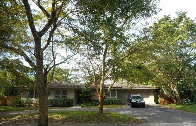 741 N Fig Tree Ln, Plantation, FL 33317