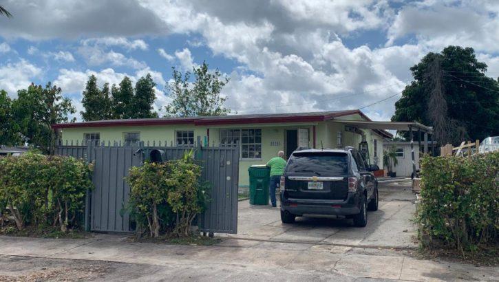 11240 SW 49th St, Miami, FL 33165