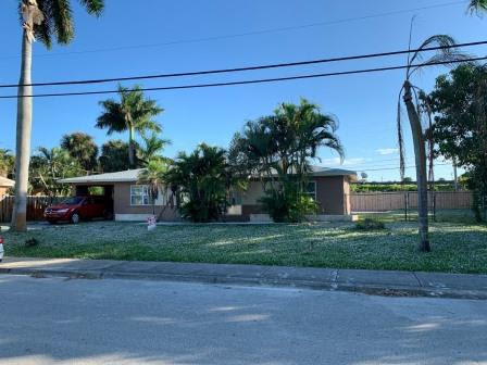 205 18th Ave S, Lake Worth, FL 33460