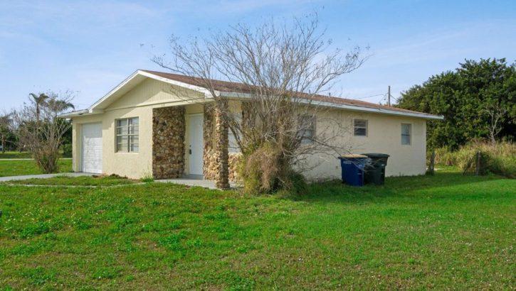 1606 San Diego Ave, Fort Pierce, FL 34946
