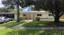 648 Ixora Ln, Plantation, FL 33317