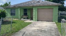 824 W 9th St, Riviera Beach, FL 33404