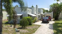 1006 Selkirk St, West Palm Beach, FL 33405