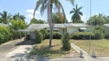 1024 N Lakeside Dr, Lake Worth, FL 33460