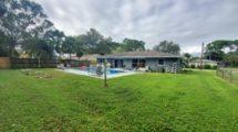 458 SE Crosspoint Dr. Port St. Lucie, FL 34983